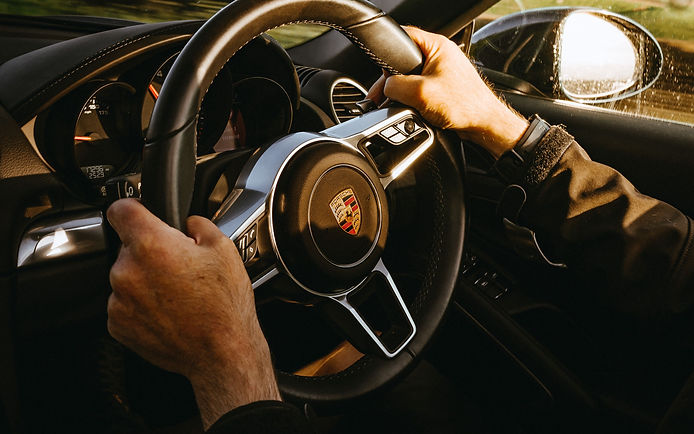 porsche_car_sportscar-carlink-rent-car-dubai