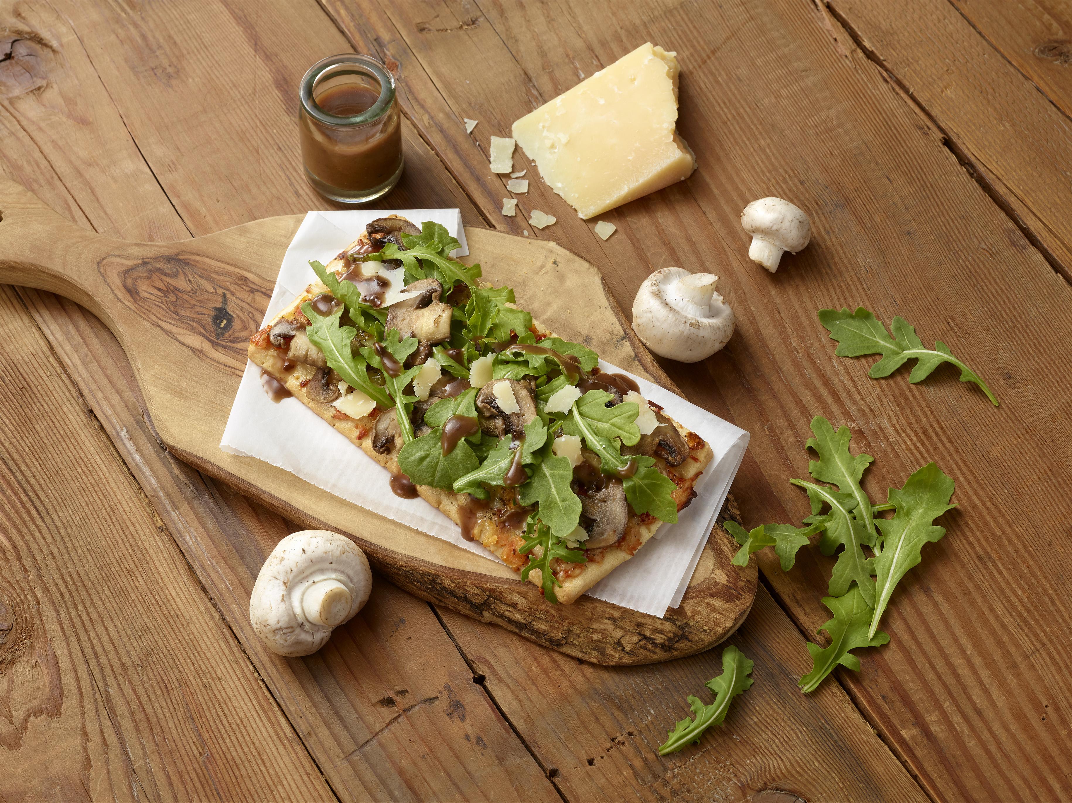 Arugula&MushroomMargheritaPizza_v2