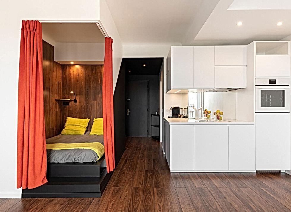 cuisine blanche, credence miroir, parquet noyer, chambre boite alcove