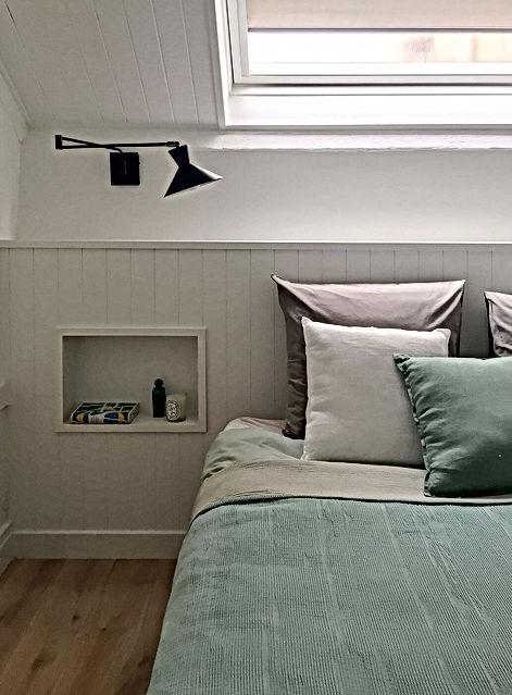 chambre, lit, tete de lit, niche,applique murale, vert,chambre mansardee