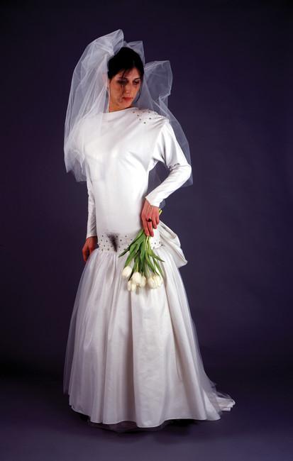 robe de mariée en cuir à poil