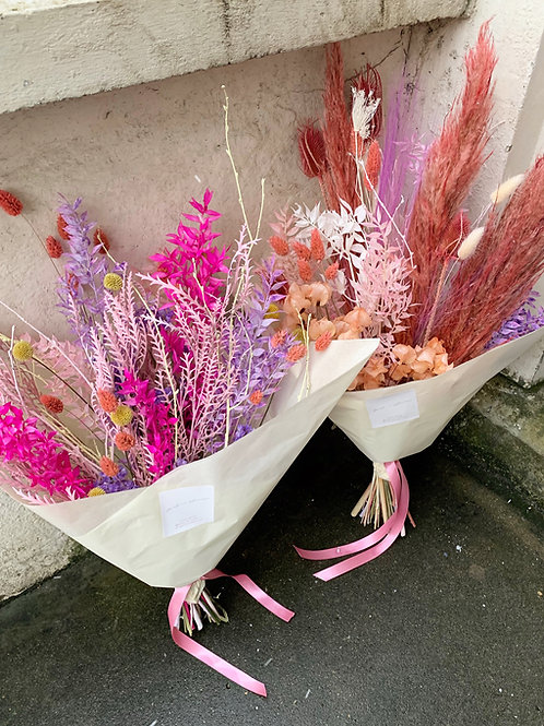 medium dried flower bunch