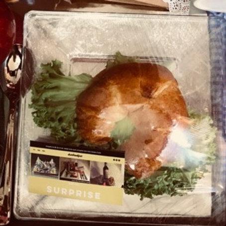 Croissant, bagel, ciapatta con jamón y queso