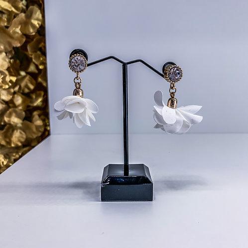 THE WHITE earrings 1.0