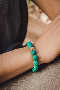 web.bracelet-samode-porté.jpg