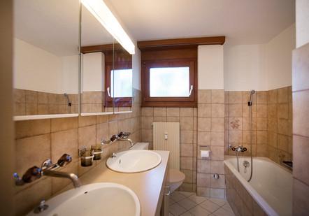 o) Badezimmer.jpg