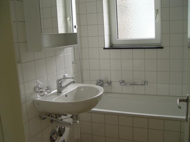 e)Bad und WC.JPG