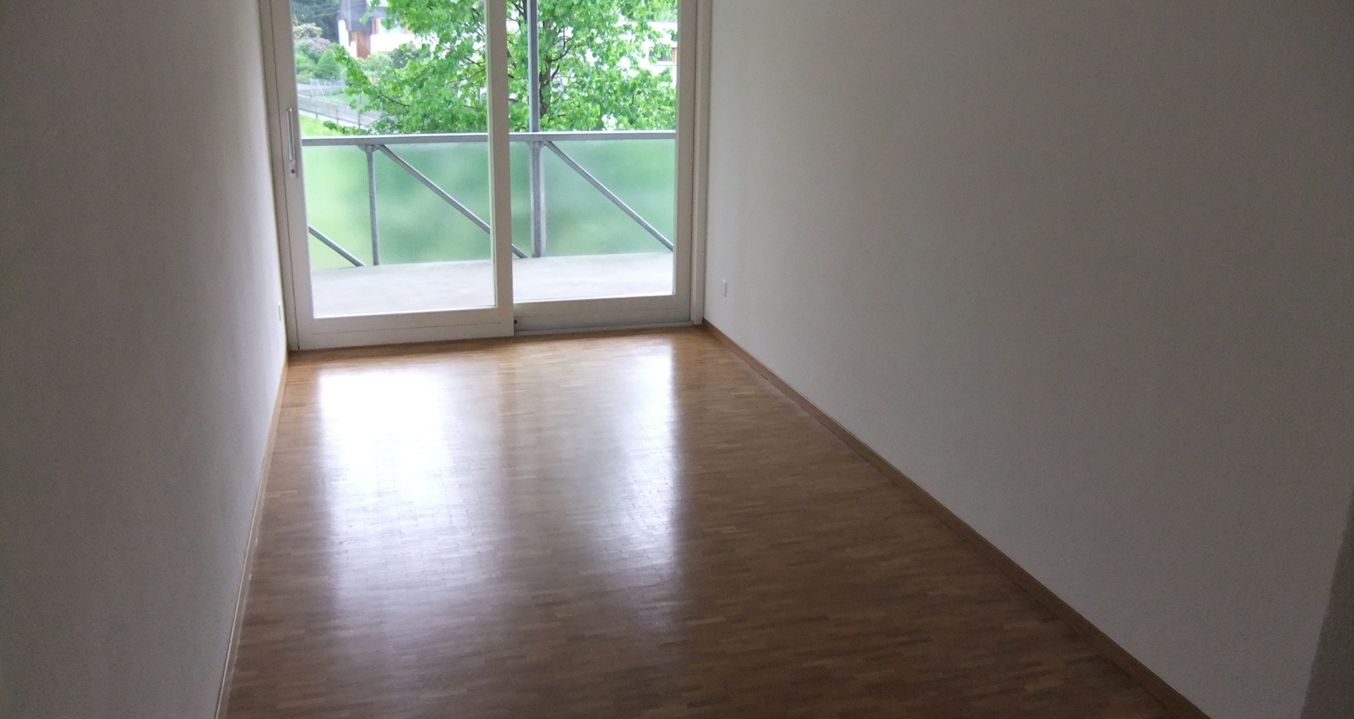 f) Schlafzimmer.JPG
