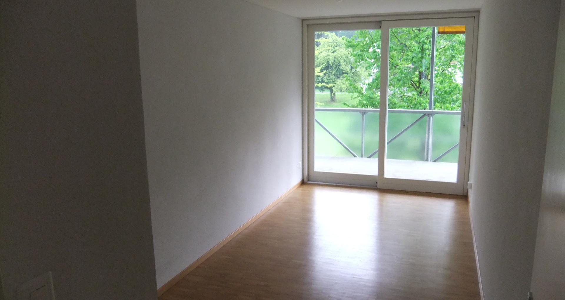 g) Schlafzimmer.JPG