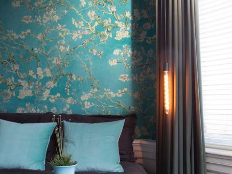 Věděli jste, že barvy a světlo mají moc měnit atmosféru interiéru?