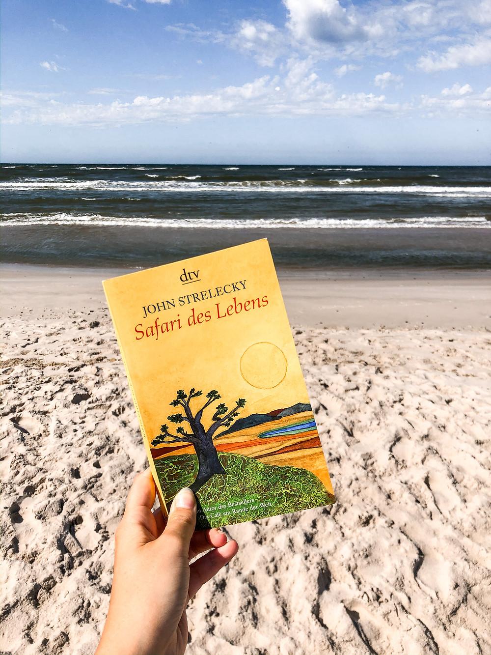 Das Buch Safari des Lebens zählt zu den absoluten Klassikern der Persönlichkeitsentwicklung und ist eines der meistverkauften Bücher von John Strelecky.