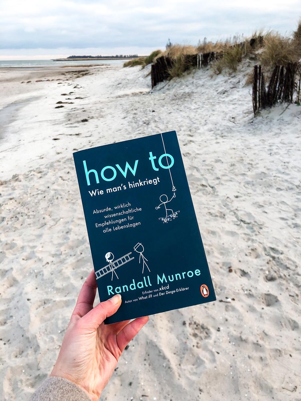 Die Rezension des Buches How to von Rendall Munroe geschrieben von Bookbeaches.