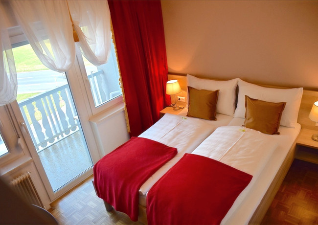 Hotel Jägerhof Wörthersee Doppelzimmer mit Balkon