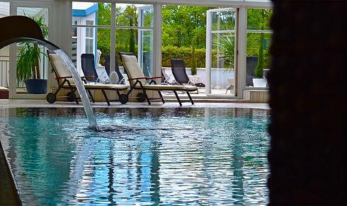 Hotel Jaegerhof Woerthersee Schwimmbad v