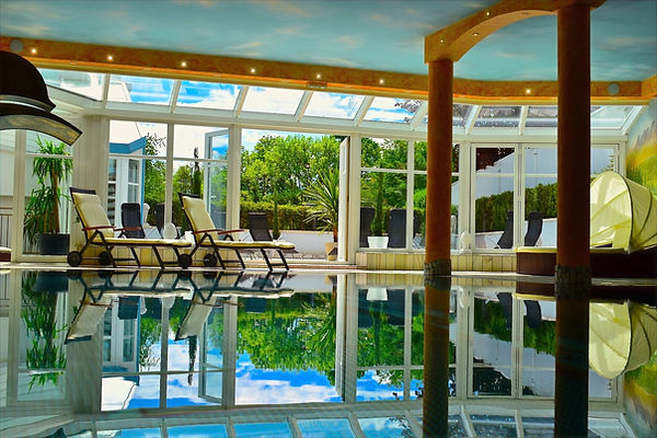 Hotel Jaegerhof Woerthersee Schwimmbad S
