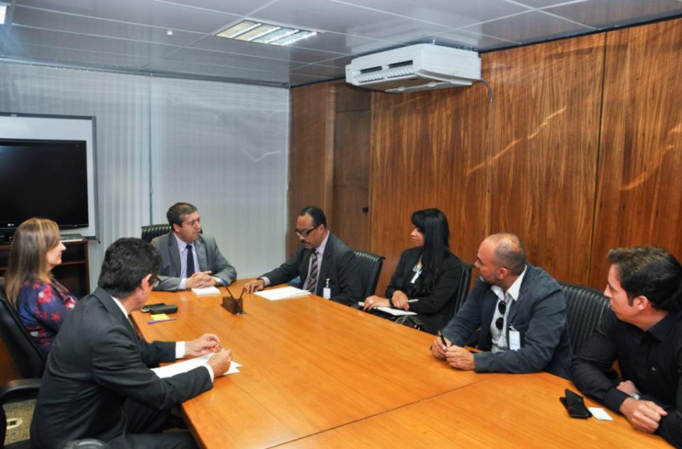 Reunião_com_o_ministro_do_trabalho_2.jpg