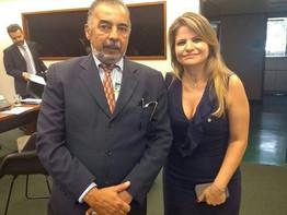 DEPUTADA FLAVIA MORAES NOMEIA ASSESSOR