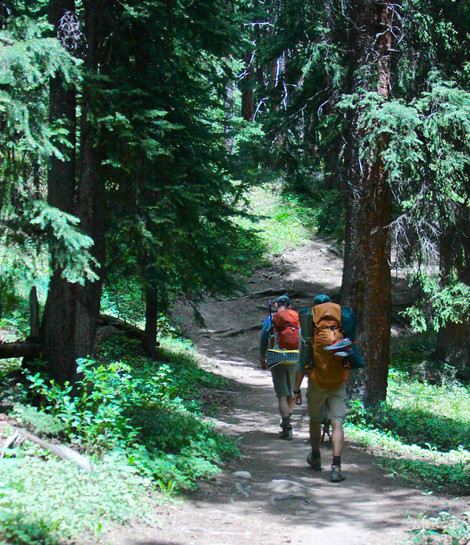 5 Reasons To Hike With A Crew