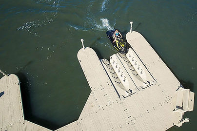 floating dock-floating lift.jpg
