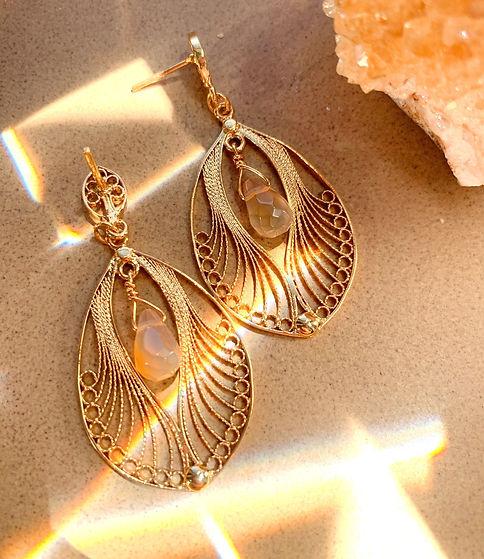filigree_earrings_minneapolis_carnelian_handmade_gemstones