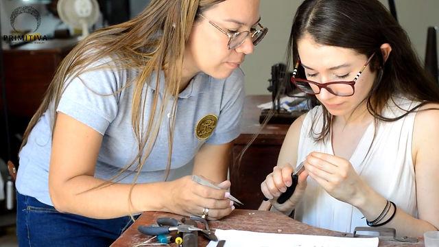 handmade_women_artisan_smallbusiness_latina_minneapolis