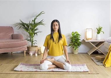 mujer-meditando_47aaf56f_674x449.jpg