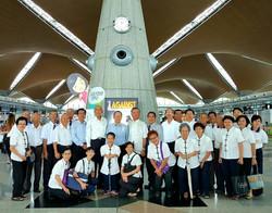 IMG-20160627-WA0003-1 jpg馬來西亞一貫道總會林總會長等一行熱誠送機合影。