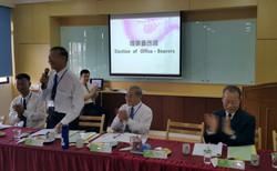 2016 0626馬來西亞一貫道總會第六屆會員大會推舉第六屆理事會選任大會主席古金祥點傳師及兩位監選人,李玉柱理事長列席觀禮。