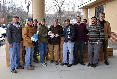 Donate Thanksgiving food to Project Self-Sufficiency.