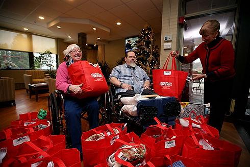 EarthAngels_Christmas_2014_Tracey Klimek NJ Herald.jpg