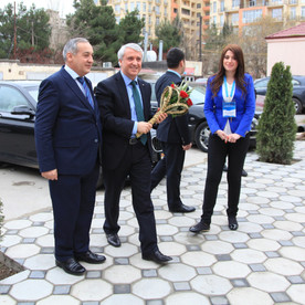 Rektor Prof.Dr.Naci Gündoğan Anadolu Universiteti Azərbaycan Proqramlarını ziyarət etdi.