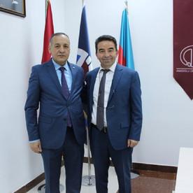 Doç.Dr.Mehmet Topal Anadolu Universiteti Azərbaycan Proqramlarında olmuşdur.