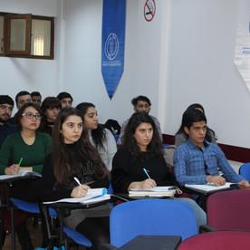 Videokonferans danışmanlık dersleri başarıyla devam ediyor.