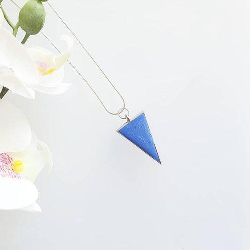 Háromszög medál