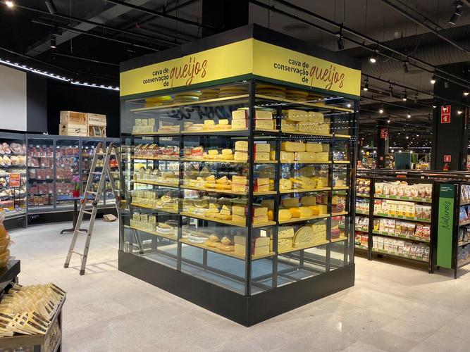 Expositor de queijos - Pao de acucar.jpe