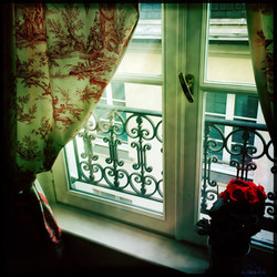 Your own pied a terre in Paris...