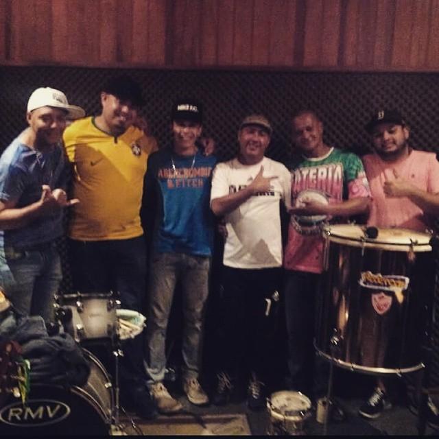 Facebook - #TeamRedenção #GrupoQuintalDaCasa #PauloRasta