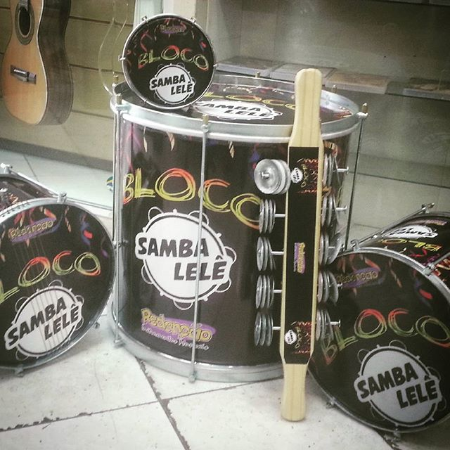 Instagram - Mais um cliente personalizando seu instrumentos #SambaLelê #teamrede