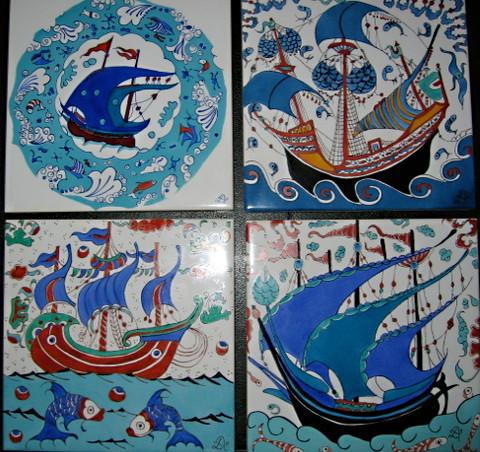 Bateaux dans une mer bleue