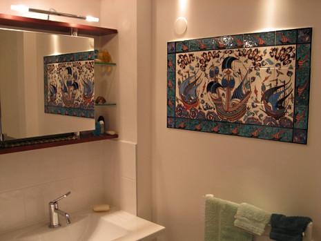 Gallions dans une salle de bain, décor intérieur