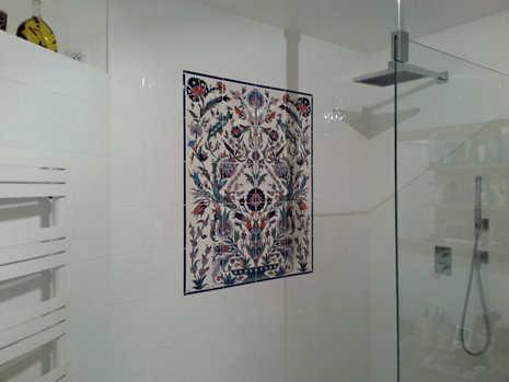 Naturalistic Panel in Shower Interior