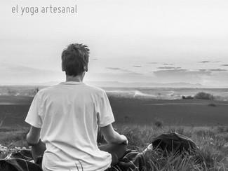 Sentarse a meditar: una postura como cualquier otra.