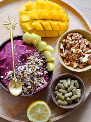 Multi vitamin acaí bowl