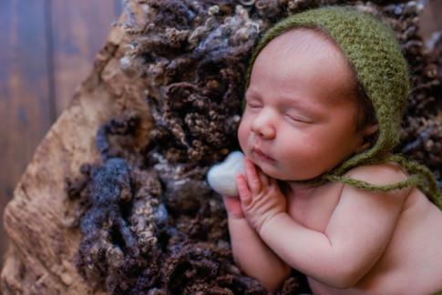 Newborn photographer in Coventry