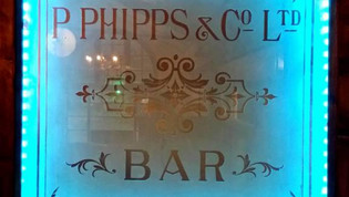 Original Phipps engraved glass