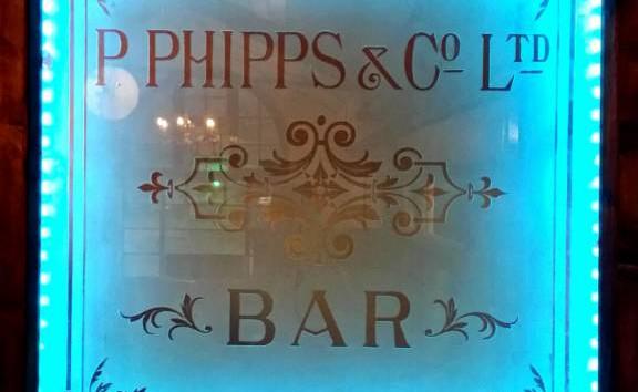 Original Phipps engraved glass