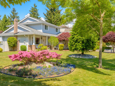 4 Landscaping Trends on Their Way Out, According to Real Estate Agents
