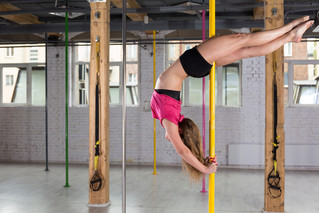 California Woman Continues Pole Dancing Classes Into Her Eighth Month of Pregnancy