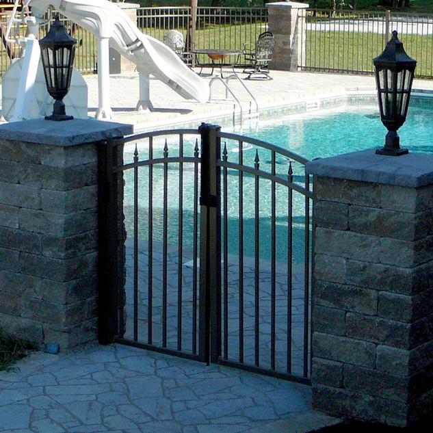 031-109-PedestrianWalk-Pool-Gate-3-Rail-