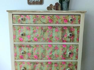 Flowered napkin dresser